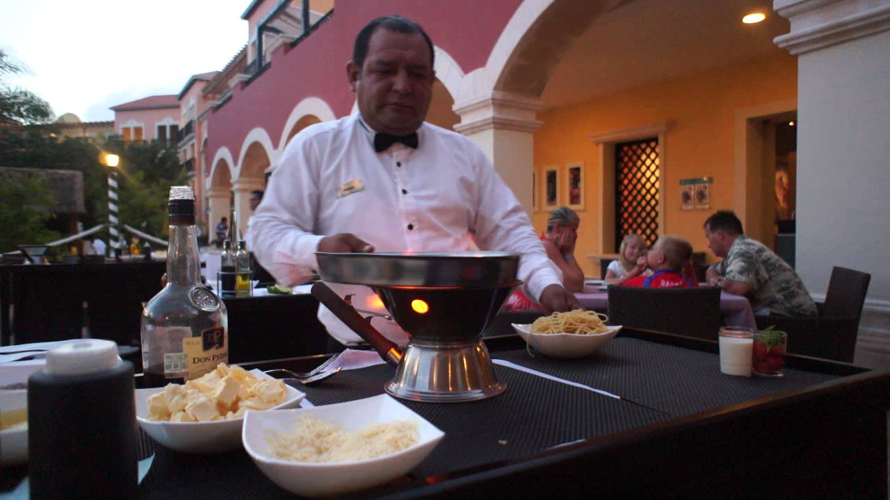 Ocean Turquesa By H10 Live Cooking At Outdoor Italian Restaurant