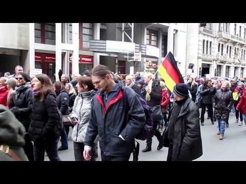 Demozug, Frauenmarsch Berlin, 17.2.2018, (Leyla Bilge, AfD)