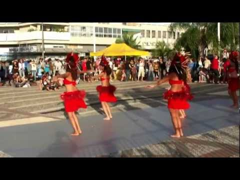 Groupe de danse tahitienne à Nouméa