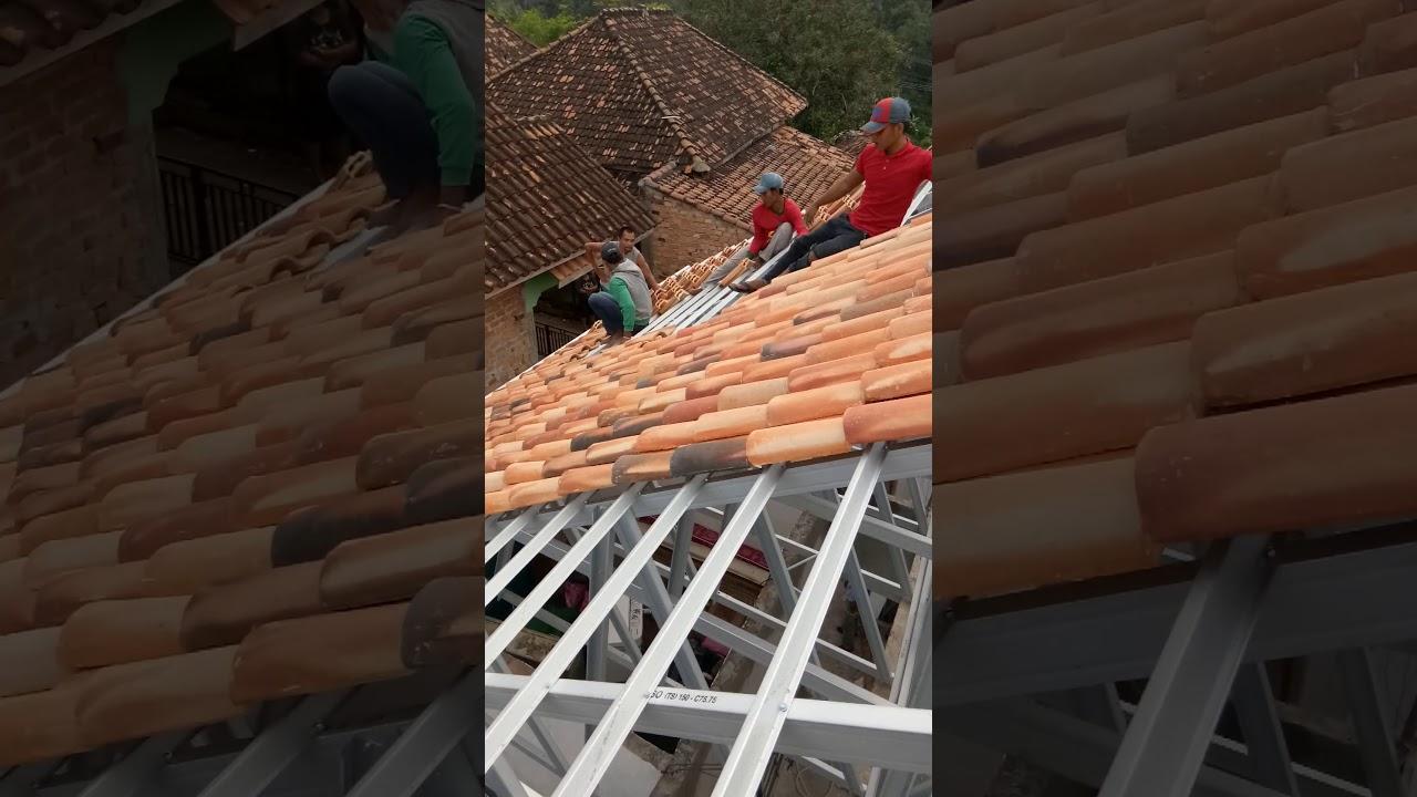 Rangka Baja Ringan Pakai Genteng Tanah Atap Youtube