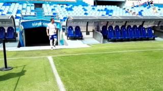 Juán Muñoz ya luce la elástica del Zaragoza en La Romareda