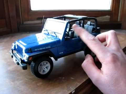 Review of 1/18 Jeep Wrangler Rubicon by Maisto - YouTube