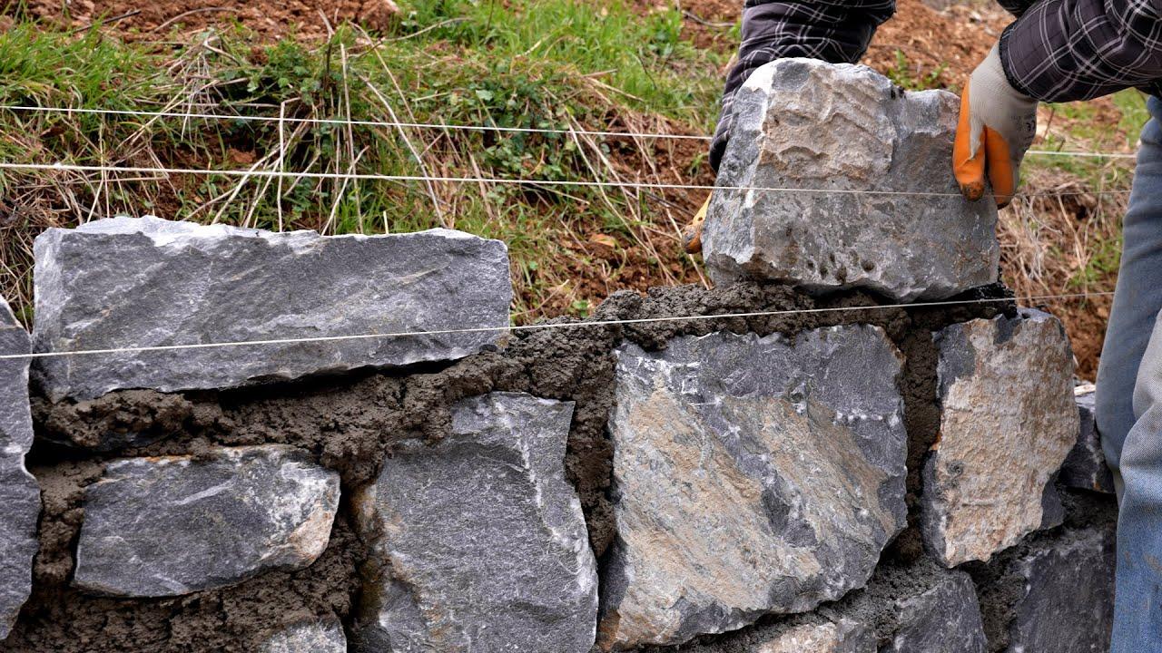 Building Stone Retaining Wall