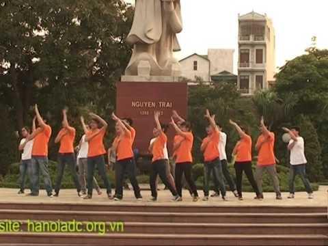 Tách nhịp + nhảy Dân vũ: Múa gối - Hanoi ADC