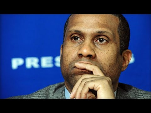 Tavis Smiley Suspended From His PBS Show After Internal Investigation Of Misconduct
