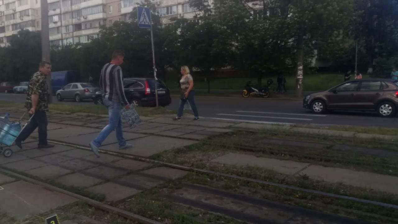 Попал под трамвай челны