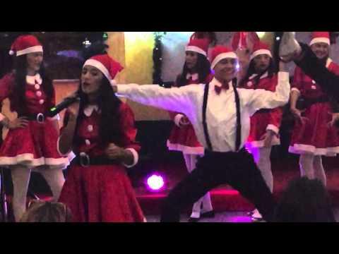 Christmas songs in Spanish by @CorinAntonia I