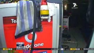 V8 Supercars : TeamVodafone Pitcrew Helmet Cam (Bathurst 2009)