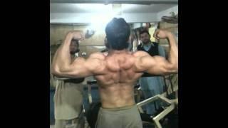 ilyas bodybuilder.MOV