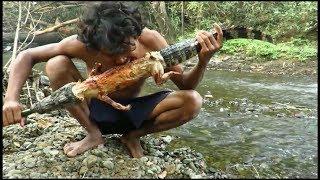 Orang ini tangkap dan makan buaya karena kelaparan di hutan