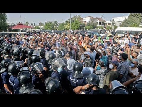 ...تونس: فتح تحقيق مع أربعة من أعضاء حزب النهضة بينهم عضو  - نشر قبل 2 ساعة