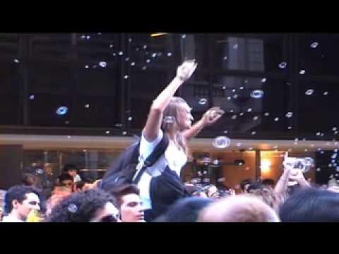 Flashmob para movistar burbujas
