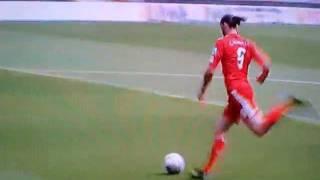 Andy Carroll's goal against Valencia - 06/08/11