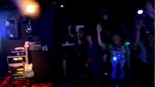 福岡ROCK DJ PARTY cue. DJ dontaku http://cue2011.jimdo.com/ Mr. Cos...
