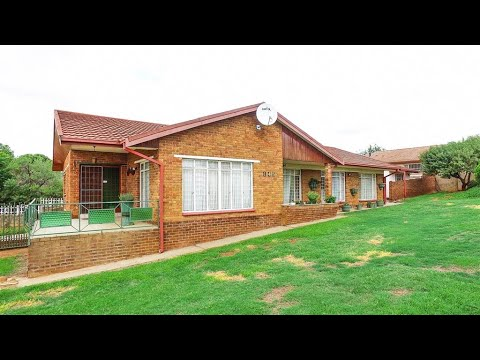 4 Bedroom House for sale in Free State | Bloemfontein | Uitsig | T172389