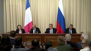 Смотреть видео МИД РФ: Россия надеется, что после обмена с Украиной будут отменены агрессивные решения П.Порошенко. онлайн