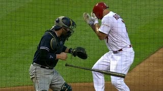 SD@STL: Holliday shaken up after being hit on face