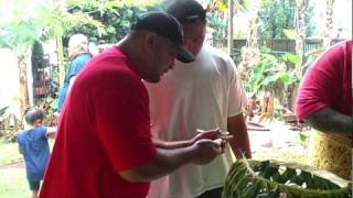 Samoan School:   How To Peel The Banana!!!!