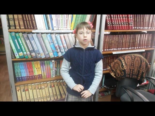 Изображение предпросмотра прочтения – АринаЛожкина читает произведение «Какой-нибудь предок мой был - скрипач...» М.И.Цветаевой