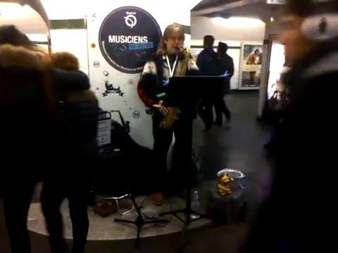 Mike Ellis - Sax Busker In Paris