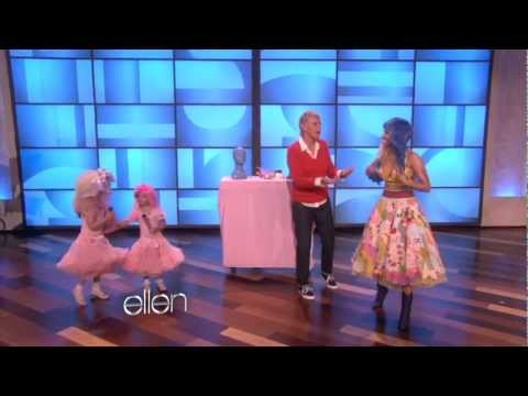 Nicki Minaj Sings 'Super Bass' with Sophia Grace Full Version