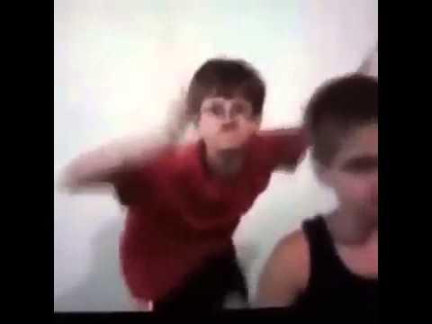 Okullar Tatil Olduğunu öğrenince Hunharca Dans ederken