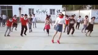 Cô giáo xinh đẹp nhảy shuffle dance cực hay cùng học trò