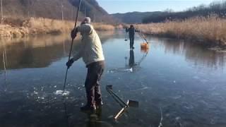 2018 12 29 겨울철 전통어로 얼음치기1
