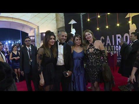شاهد: تألق النجوم على السجادة الحمراء في افتتاح مهرجان القاهرة السينمائي …  - نشر قبل 10 ساعة
