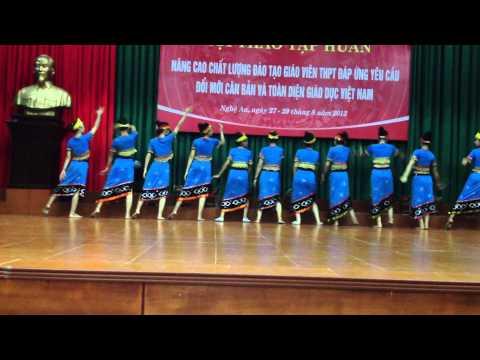 múa khơ mú VNXK đại học Vinh
