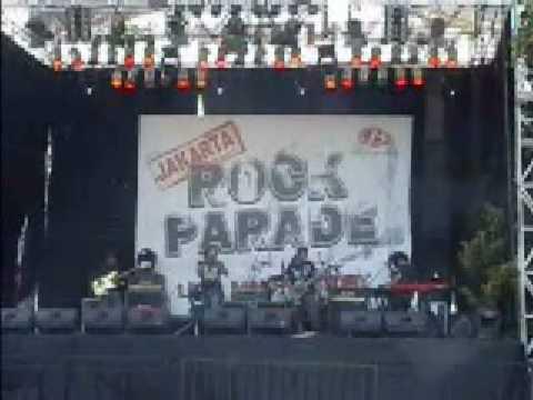 "The Miracle - ""Bebas"" (live in Senayan, Jakarta 13/07/08)"