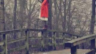» & ich steh genau da, wo ich vorher war - genau an dieser Brücke da ! :x