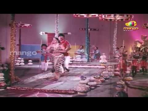 Kondaveeti Raja Telugu Movie | Manchamesi Duppatesi Video Song | Chiranjeevi | Vijayshanti