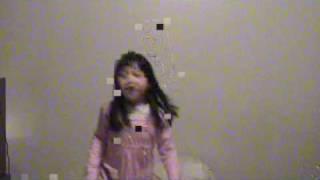 Cute Asian Girl Singing!!