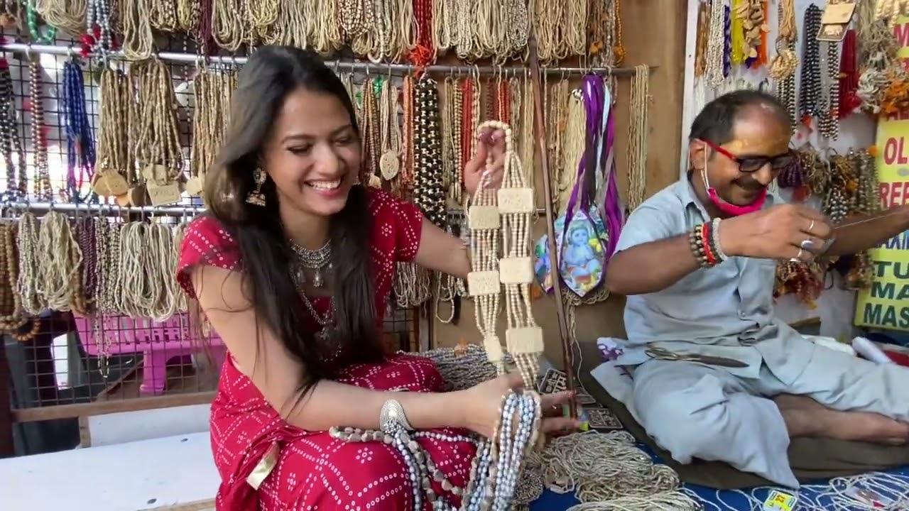 Download Birthday par vrindavan ke darshan ❤️😍  Saloni Mittal   Banke bihari 😍🙏