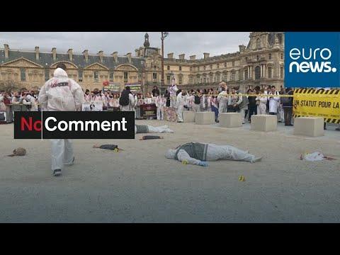 شاهد: أخصائيو الطب الشرعي في فرنسا يرسمون مشهدا -دام- وسط باريس…  - 22:59-2020 / 1 / 15