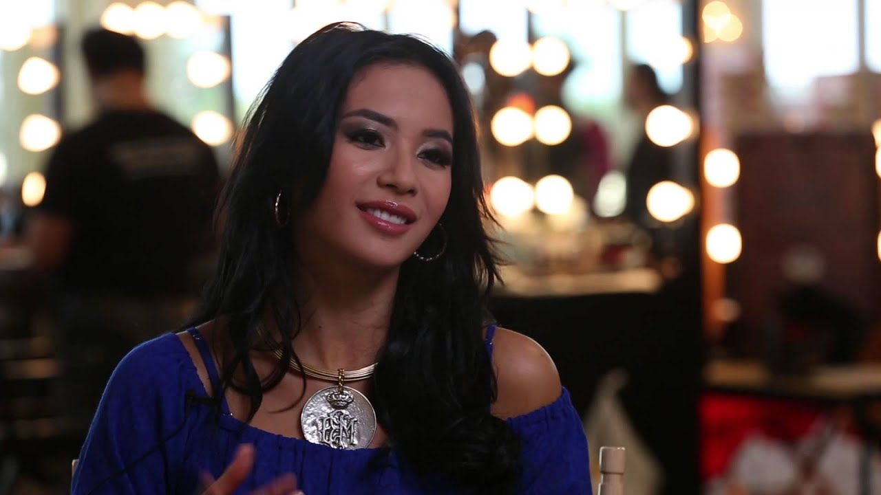 Indonesia - Elvira Devinamira - Miss Universe 2015 Interview