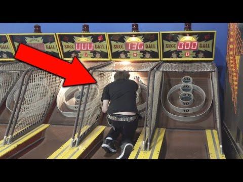 Stupid Kid Cheats at Arcade Skeeball