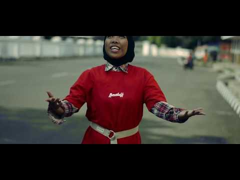 Almamosca - Di Telinga (Music Video)