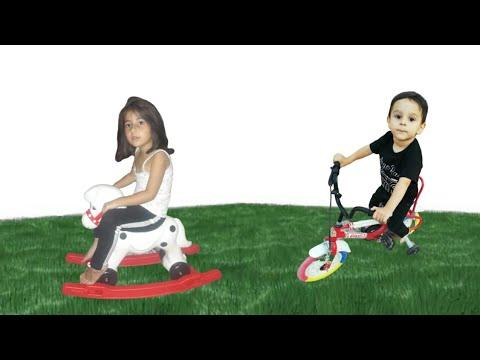 Yağız Selim Ve Afra çimende Oynuyor For Kids