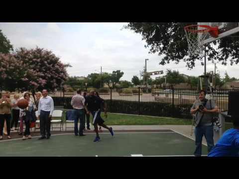 Mavericks forward Dwight Powell playing game of knockout