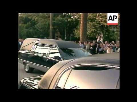 USA: LOS ANGELES: PRIVATE VIGIL HELD FOR FRANK SINATRA