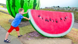 एली किसान खेल बाजार में फल और सब्जियां सीखता है