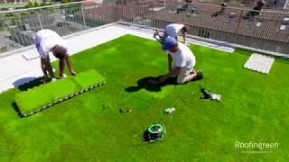 Pavimento modulare drenante con finitura in erba sintetica