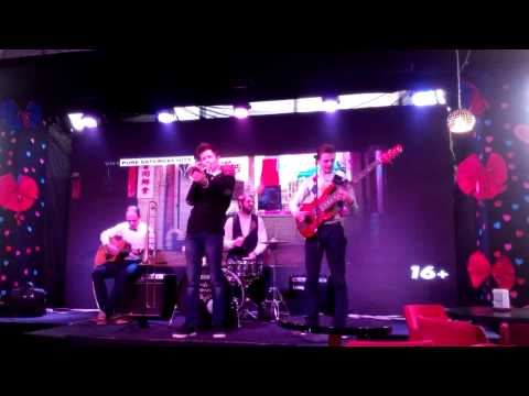 "CLC BAND | ""People"" cafe 