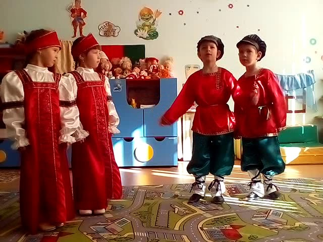 Изображение предпросмотра прочтения – СветланаЗырянова читает произведение «Русские народные частушки» (Русский фольклор )