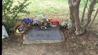 Who's Sleeping By Bonnie Parkers Grave!
