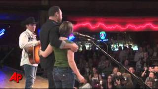 Clay Walker Helps Surprise Army Wife on TV Show