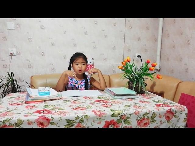 Изображение предпросмотра прочтения – ЕлизаветаЛи читает произведение «Чистописание» С.В.Михалкова