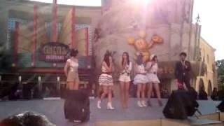 2012年1月9日(月・祝)「少女トラベラー」お披露目ライブでのひとコマ。